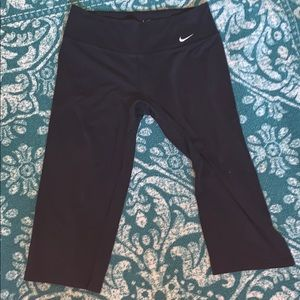 [Nike] Women black Capri pants